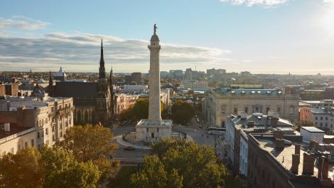Le Washington Monument dans le quartier de Mount Vernon à Baltimore, Maryland