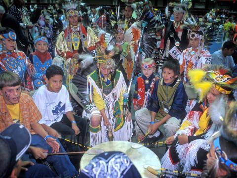 Le Black Hills Powwow met à l'honneur les chansons et danses indigènes des Grandes Plaines au travers de concours