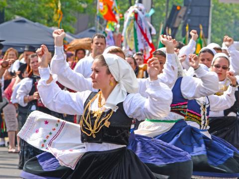 Le défilé haut en couleur de la journée du Portugal