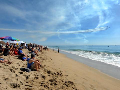 Ciel dégagé pour le spectacle aérien de Huntington Beach
