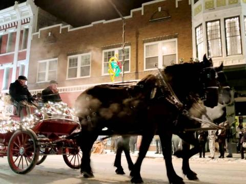 La calèche de la parade de Noël dans les rues de Cheyenne