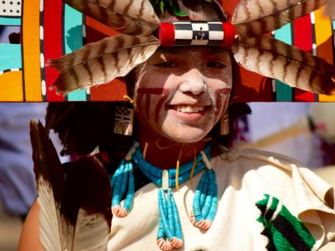 Jeune fille en tenue traditionnelle lors du Hopi Festival