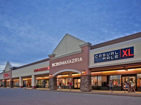 Devant le centre commercial Birch Run Premium Outlets