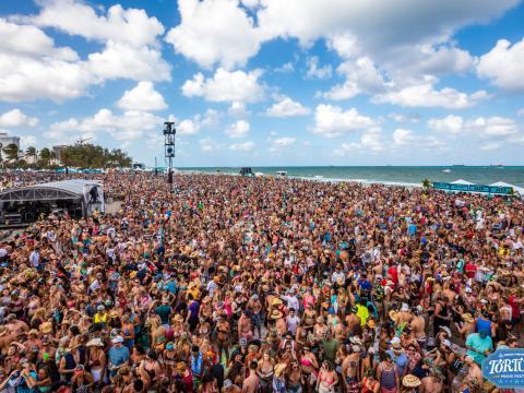Une affluence record pour le festival de musique Tortuga