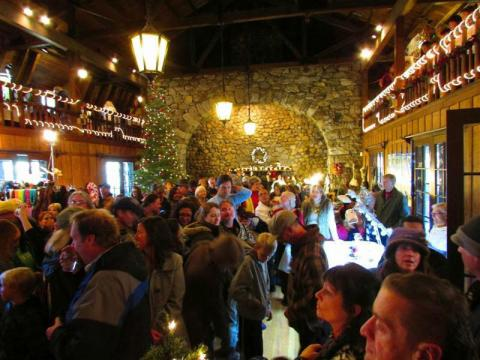 Au cœur de l'Annual Valhalla Holiday Faire