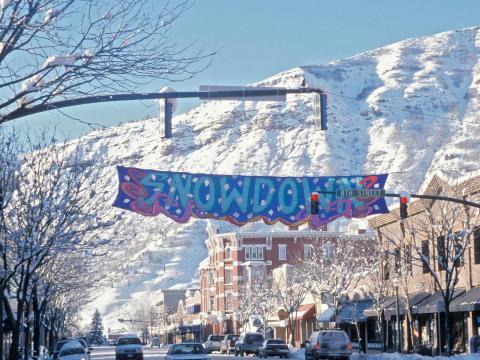 Festivités, repas et défilé des lumières lors du Snowdown de Durango