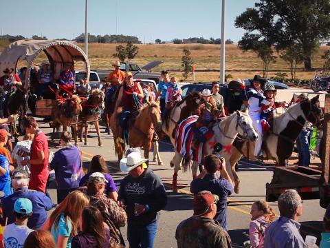 Défilé lors du Louisiana Fur and Wildlife Festival, qui célèbre les traditions amérindiennes, à Cameron