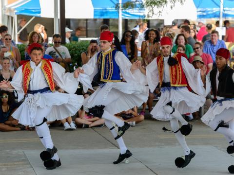 Danse traditionnelle lors du Columbus Greek Festival
