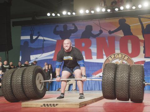 Compétition d'haltérophilie lors de l'Arnold Sports Festival à Columbus, Ohio